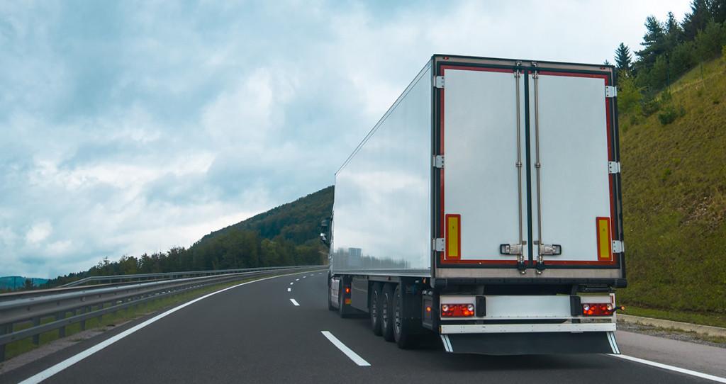 foto de caminhões para representar o post sobre roubo de carga